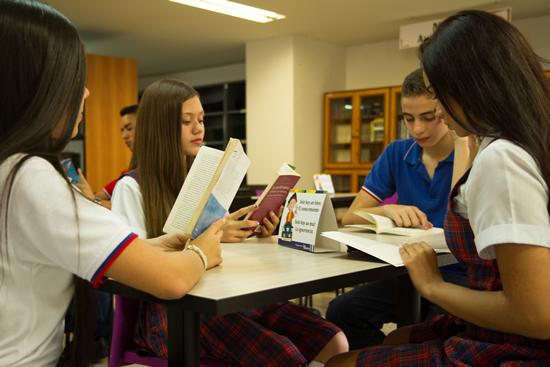 IUSH Biblioteca