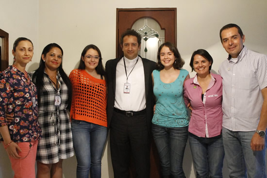 Rector del Salazar y Herrera estrecha lazos con familias de estudiantesIUSH