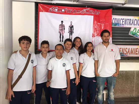 El Liceo Salazar y Herrera se articula con la Cruz RojaIUSH