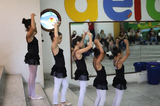Muestra de ballet en el Liceo Salazar y HerreraIUSH