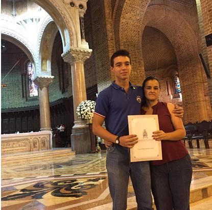 Reconocimiento al mejor bachiller 2016 del Liceo Salazar y HerreraIUSH