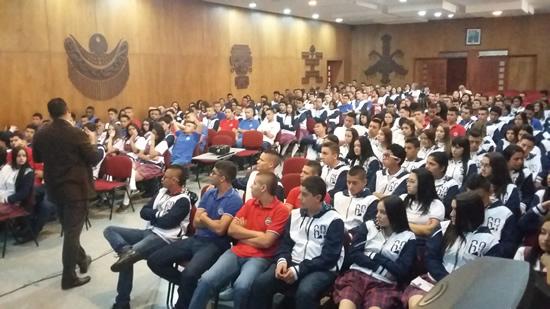 La IUSH presente en el LiceoIUSH
