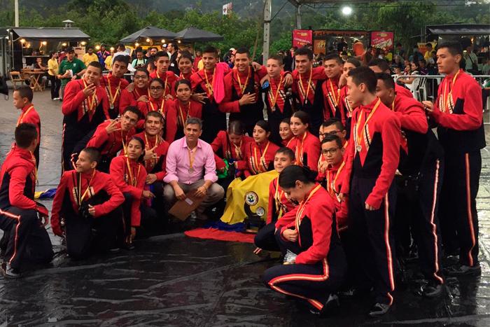 La Banda Marcial del Liceo Salazar y Herrera ganó el tercer lugar en el Torneo Internacional de Brasil.IUSH