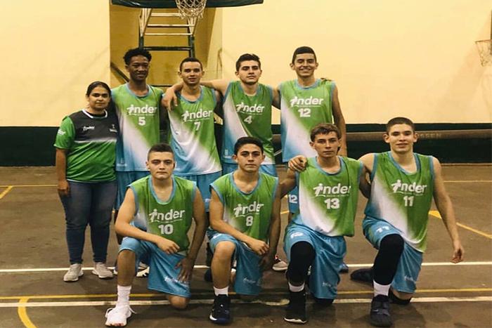 El equipo de Baloncesto Masculino del Liceo Salazar y Herrera obtuvo el Campeonato Metropolitano en el torneo IndercolegiadosIUSH