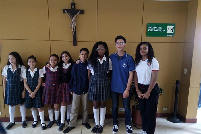 Estudiantes del Liceo Salazar y Herrera se destacan en el concurso de Oratoria – Cotrafa y pasan a la finalIUSH