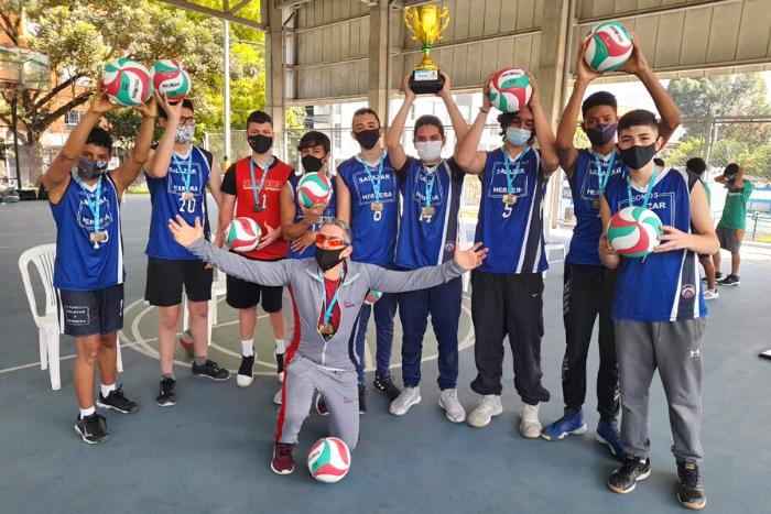 Equipos de Voleibol del Liceo participaron en los Juegos Indercolegiados 2020IUSH