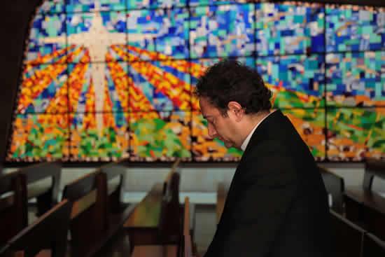 Mérito al Pbro. Dr. Jorge Iván Ramírez Aguirre  por sus Bodas de PlataIUSH