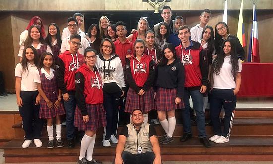 Estudiantes ahora reporteros del Liceo Salazar y HerreraIUSH